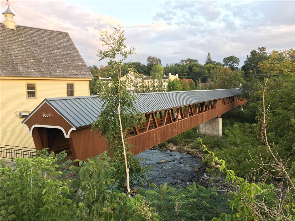 Covered bridge over the river at Littleton