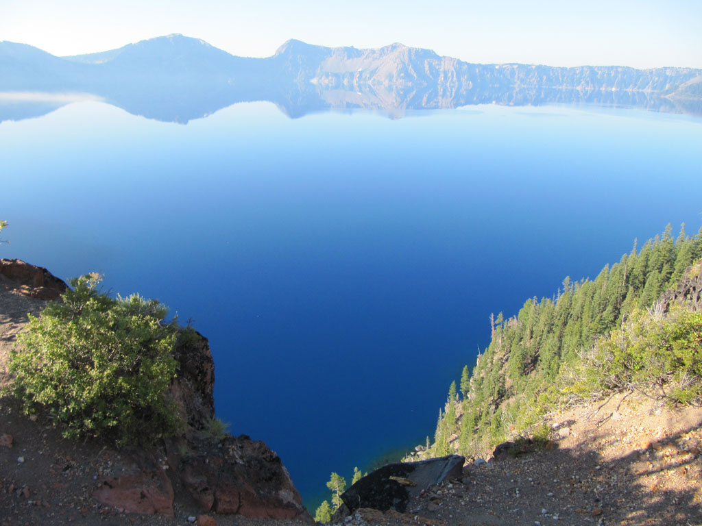 A steep drop into Crater Lake