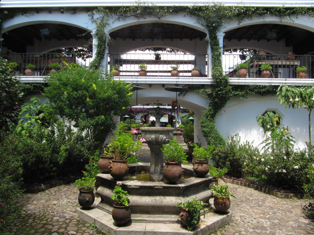 Central courtyard at the Hotel Santa Thomas, Chichicastenanga...