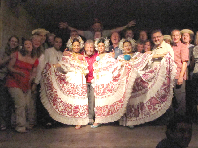 The Trans-AM 2009 group auditions to join the Panamanian dancers...