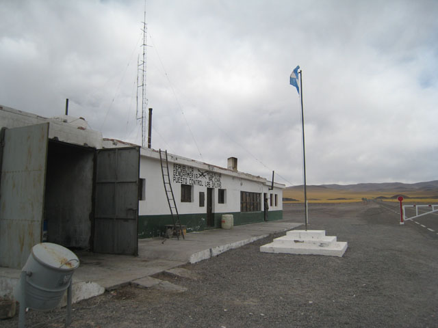 The isolated Argentine border, Paso de San Francisco...
