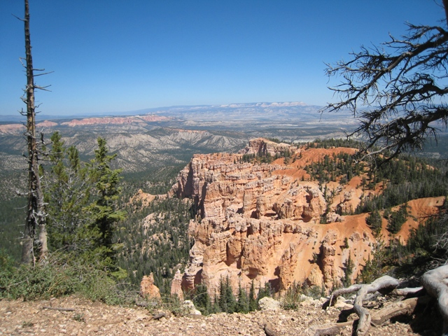 Long range view over Bryce Canyon